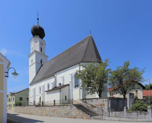 Pfarrkirche Enzenkirchen