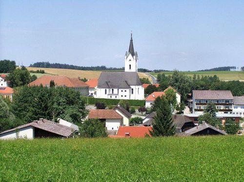 Pfarrkirche Meggenhofen