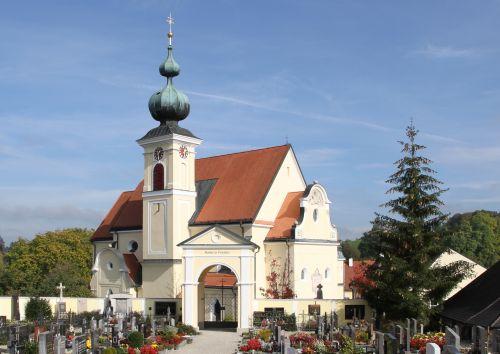 Pfarrkirche Niederthalheim