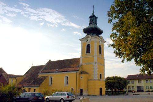 Pfarrkirche Großnondorf