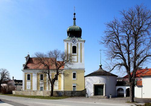 Pfarrkirche Leopoldsdorf im Marchfelde