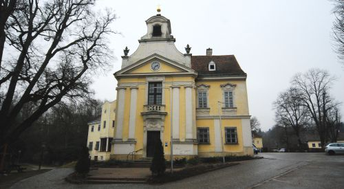 Pfarrkirche Breitenfurt bei Wien-St. Johann Nepomuk
